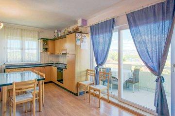 Apartment A5 (4 + 2)